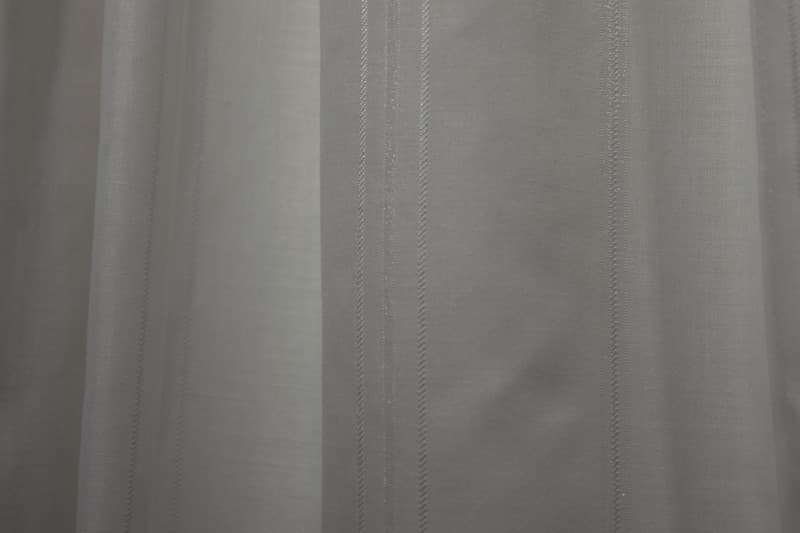 Inbetweens met een lengte streep off white - Michiel Zuur Gordijnen